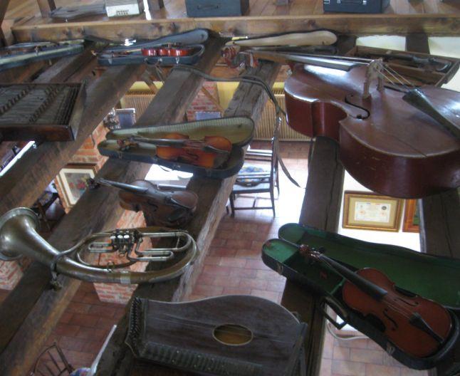 Instrumente muzicale Casa Sandra
