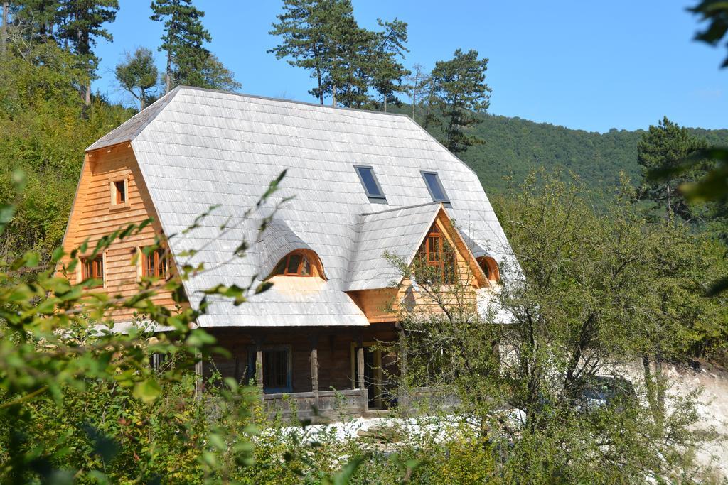 Sejur in casa de vacanta La Motica – sat Buru, judetul Cluj