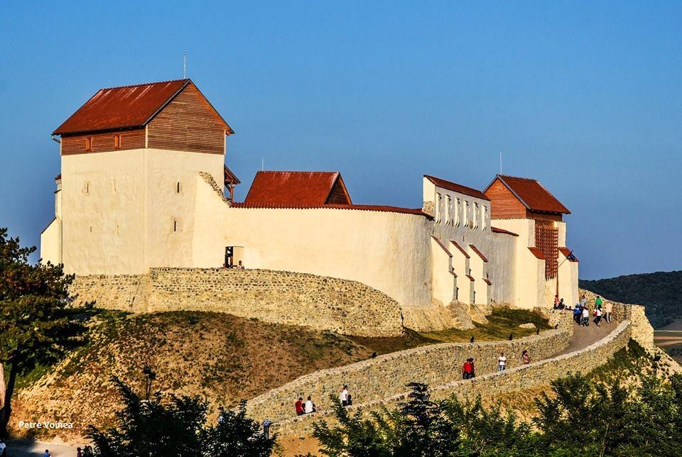Cetatea medievala Feldioara redeschisa, dupa cinci ani de lucrari de restaurare