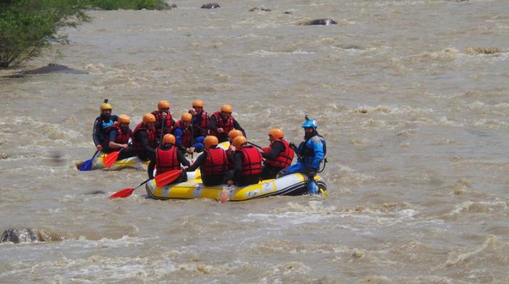 Rafting-ul, sau una din cele mai tari aventuri ale vietii